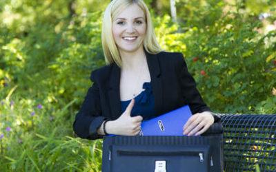 Welche 7 Sachen Sie zum Vorstellungsgespräch mitnehmen sollten