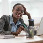 Warum positives Denken und Antworten Ihnen beim Vorstellungsgespräch Türen öffnen kann