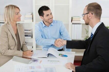 Verkaufsgespräche im Vorstellungsgespräch: 4 Methoden um locker zu bestehen und wie Sie mit Kritik dabei umgehen