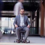 Vorstellungsgespräch im Sitzen: So bleiben Sie beweglich