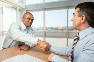 Handshake nach Erfolg
