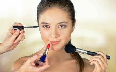 Vorstellungsgespräch: CHECK UP von Kleidung und Makeup