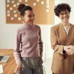 Bewerbergespräch Umgangsformen: Updaten Sie Ihr Wissen
