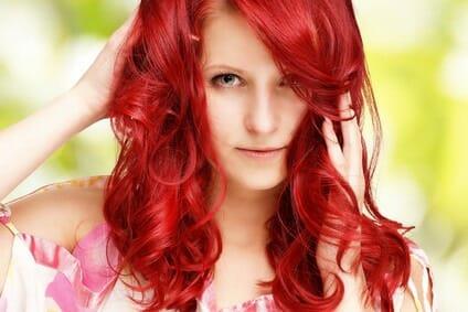 Haare auf oder zu? Wie Haare eingeschätzt werden und welche Wirkung sie entfalten beim Gespräch